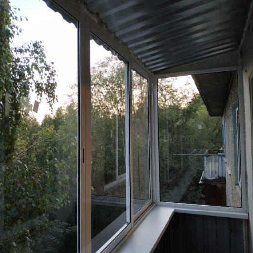 Остекление и внешняя отделка балкона