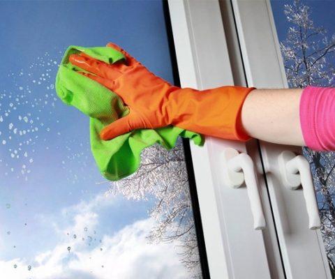 Типичные ошибки при уходе за пластиковыми окнами